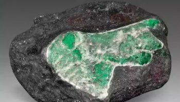 Что такое гидротермальный изумруд и где его используют
