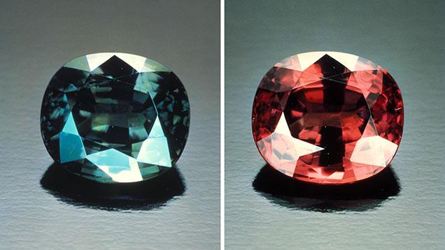 Как отличить натуральный камень александрит от искусственного