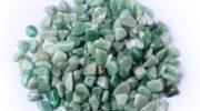 Авантюрин: как выглядит камень, кому подходит, какими свойствами обладает