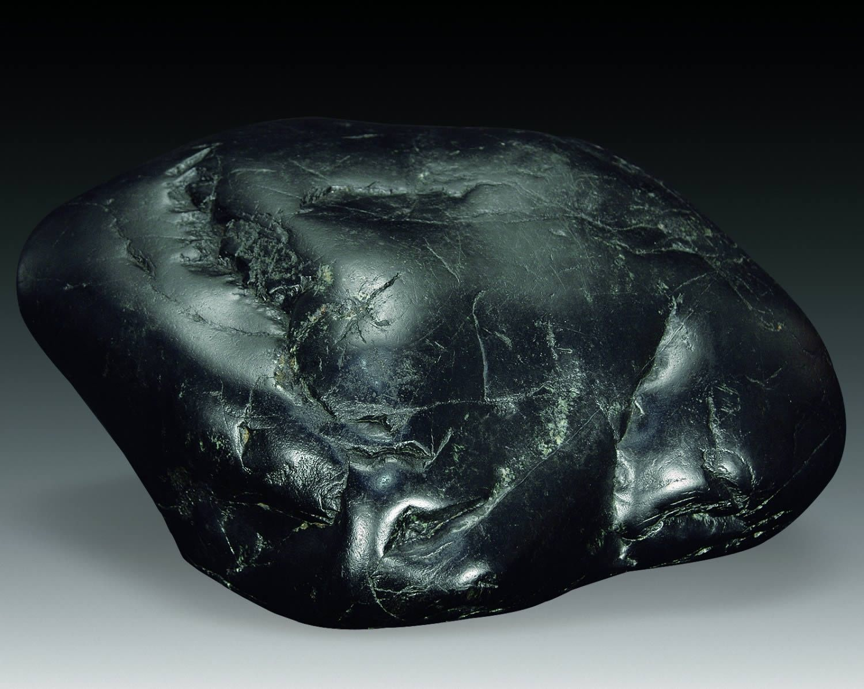 Черный нефрит