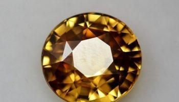 Необыкновенный гиацинт: каким бывает и кому подойдет камень