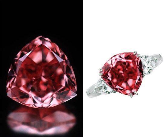 Сколько стоит редкий красный алмаз и украшения с ним
