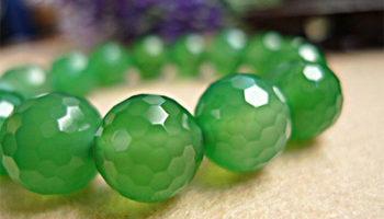 Виды, зодиакальная совместимость и магические свойства зеленого агата