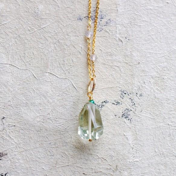 Свойства зеленого аметиста и его использование в ювелирных украшениях