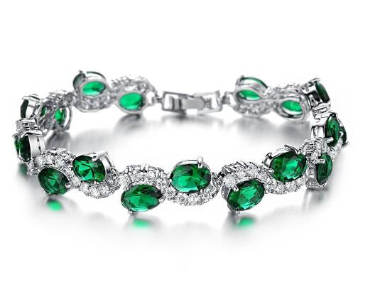 Редкий и ценный зеленый бриллиант