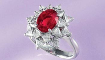 Сапфировый и рубиновый корунд: основные отличия от натуральных камней